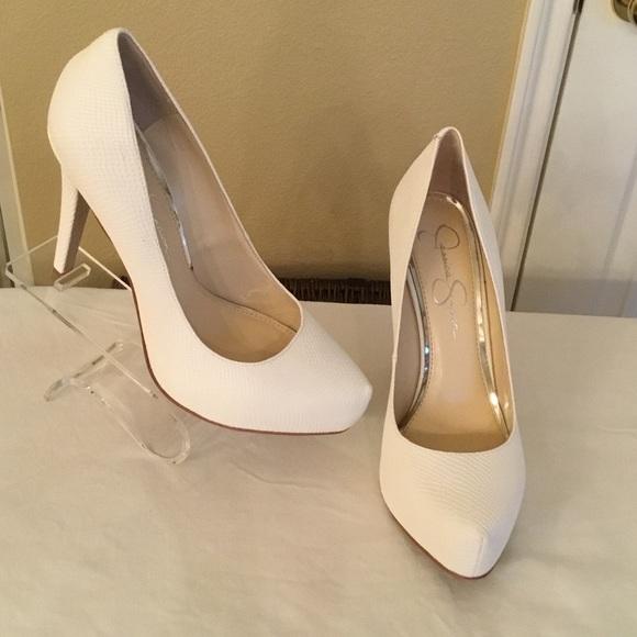 ba7b2fd665 Jessica Simpson Shoes - Jessica Simpson Parisah Platform Pumps